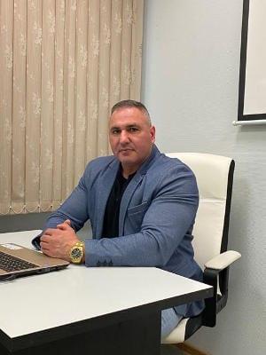 тренер Виктор Ильясов